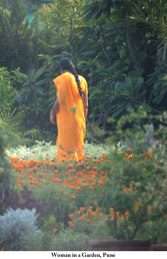 woman_in_a_garden_Pune2