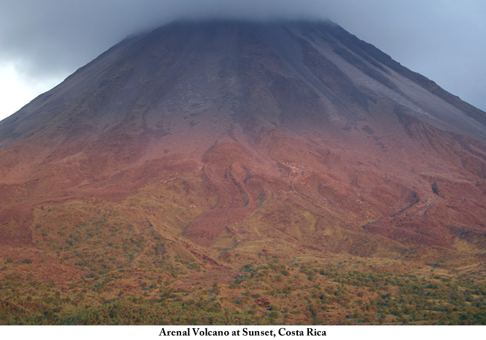 Arenal_volcano_at_sunset_Costa_Rica2